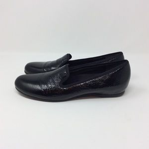 Munro Textured Patent Driving Loafers